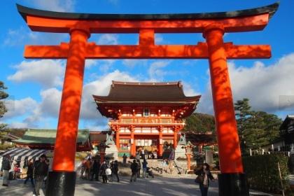 일본인의 생활 속의 신도와 불교.jpg